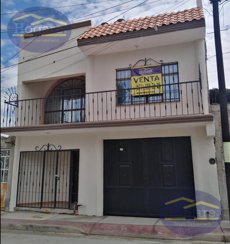 Casa en Venta muy amplia con Excelente Terreno en Colonia Santa Cecilia en León, Gto.