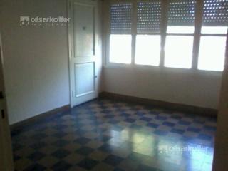 Foto Casa en Venta en  Temperley Este,  Temperley  Iriarte 540