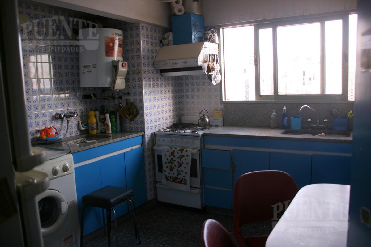 Foto Departamento en Venta en  Lomas de Zamora Oeste,  Lomas De Zamora  Boedo 520 10°A