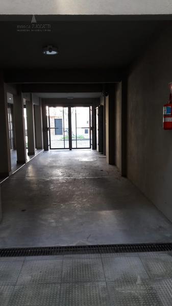 Foto Departamento en Venta en  Banfield Oeste,  Banfield  San Martin 964 2 D