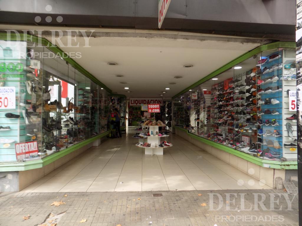Foto Local en Alquiler en  Unión ,  Montevideo  Sobre Av 8 DE OCTUBRE Y CIPRIANO MIRÒ