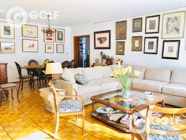 Foto Departamento en Alquiler en  Pocitos ,  Montevideo  Mucho sol! A metros de rambla , piso alto.