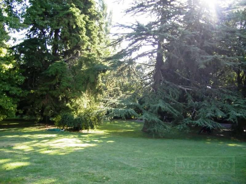 Terreno de 1800 mts en Highland Park C.C.