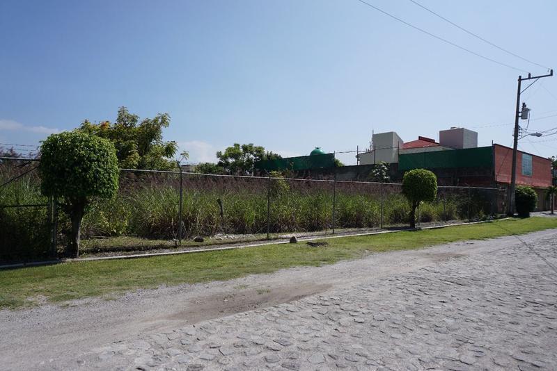 Foto Terreno en Venta en  Morelos,  Cuernavaca  Venta de terreno en Jiutepec, plano, fraccionamiento...Clave 2160