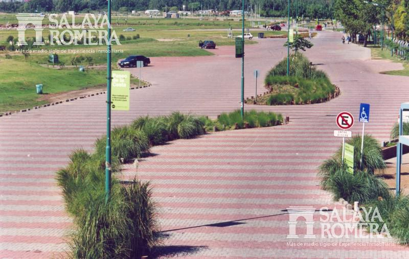 Foto Cochera en Venta en  Vicente López ,  G.B.A. Zona Norte  Hipolito Yrigoyen al 400
