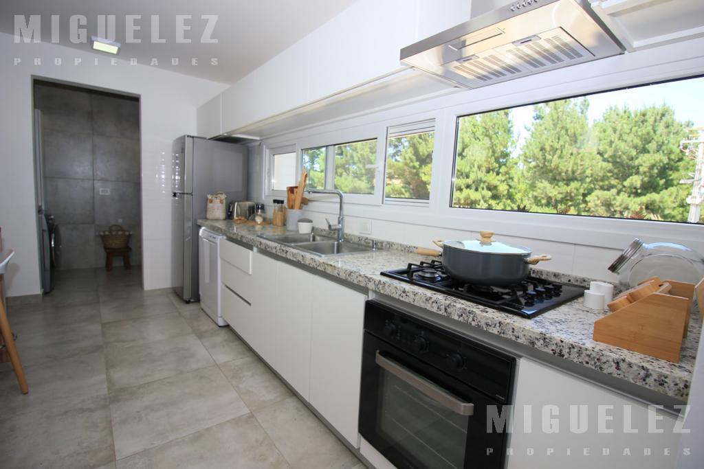 Foto Casa en Alquiler temporario en  Barrio Costa Esmeralda,  Pinamar  COSTA ESMERALDA
