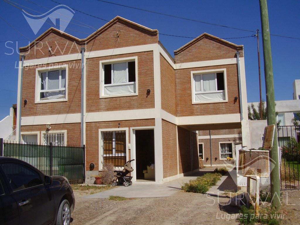 Foto Casa en Venta en  Puerto Madryn,  Biedma  Marcos A. Zar al 2700