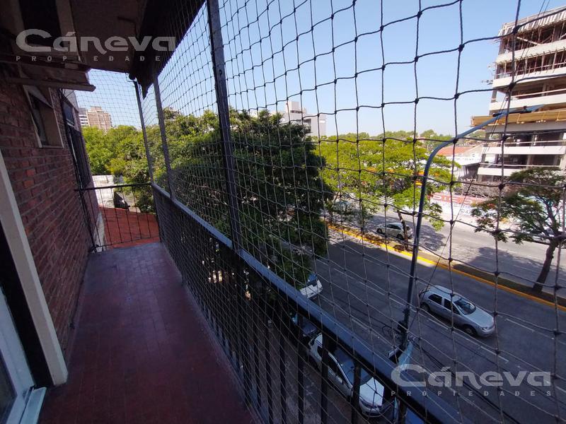 Foto Departamento en Venta en  Olivos,  Vicente López  Av. Maipú al 3600