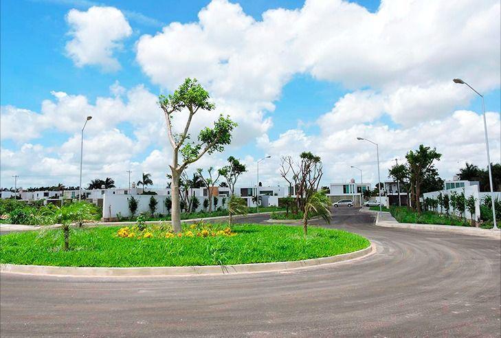 Foto Terreno en Venta en  Conkal ,  Yucatán  Terrenos Residenciales en Venta Privada Avenida Conkal Mérida Yucatan