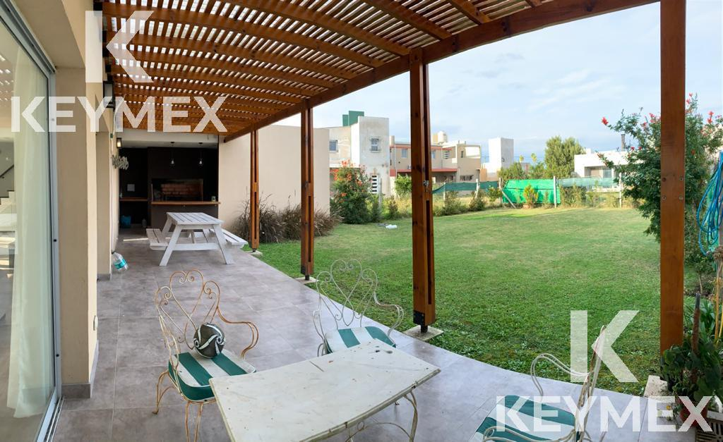 Foto Casa en Venta en  La Nueva Hermosura,  Villa Elvira  Ruta11 e/646 y 647 La Nueva Hermosura