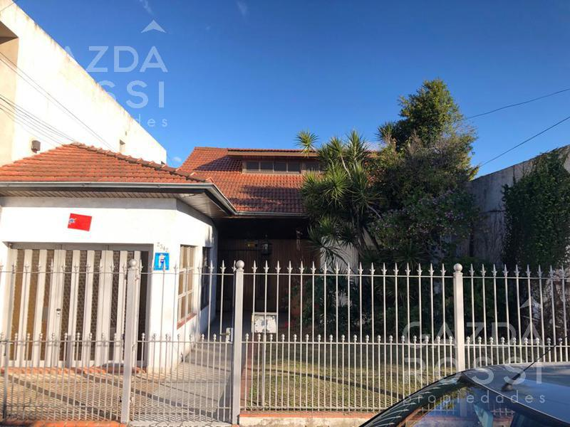 Foto Casa en Venta en  Lomas De Zamora ,  G.B.A. Zona Sur  BOEDO al 2300