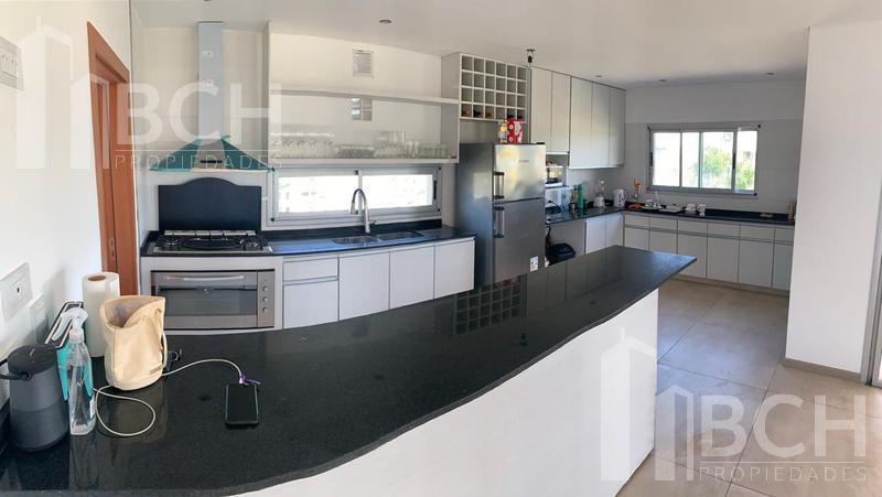 Foto Casa en Venta | Alquiler en  Vistas,  Puertos del Lago  Casa de dos plantas en venta en el barrio Vistas - Puertos del Lago - Escobar