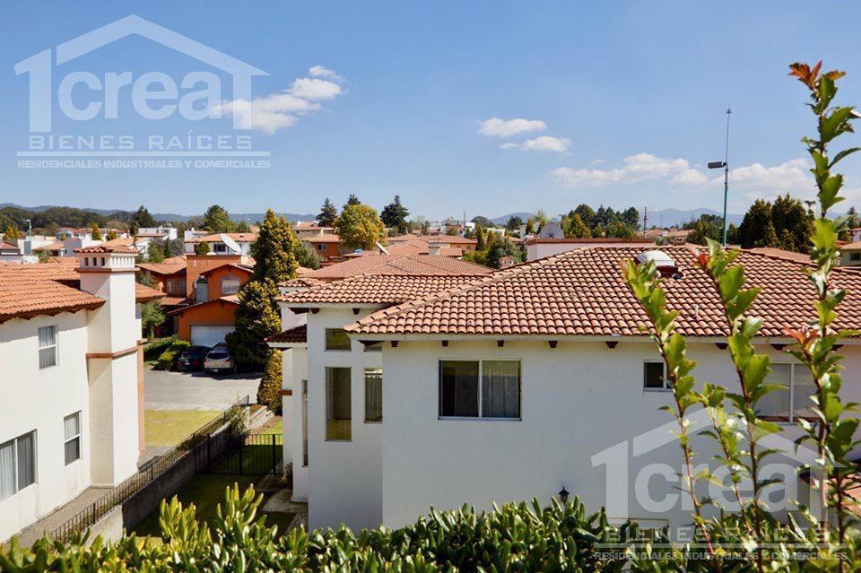 Foto Casa en Venta en  Amomolulco,  Lerma  Casa venta exclusivo residencial Los Robles a 25 min de Santa Fe