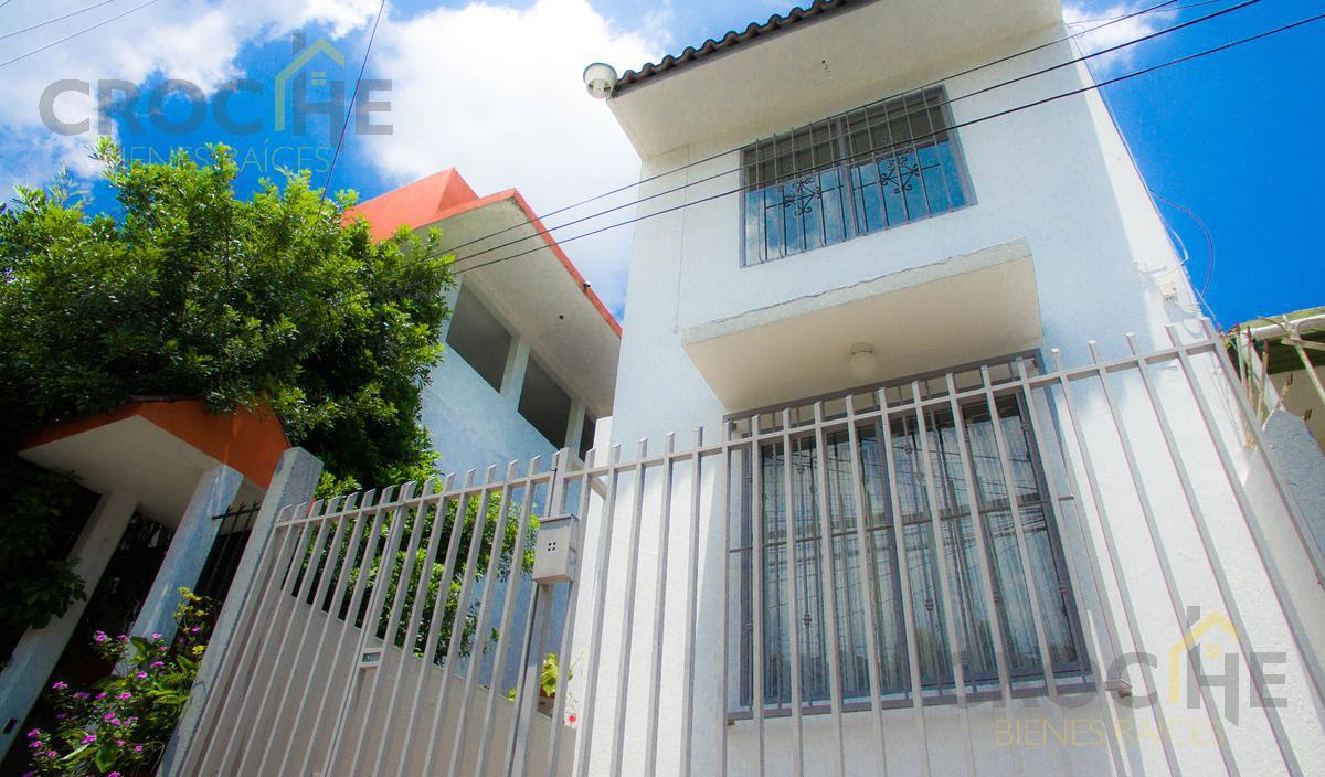 Foto Casa en Venta en  Buenavista,  Xalapa  Casa en venta 2 recamaras col. Buena vista bien ubicada a unos metros de circuito presidentes, recien remodelada