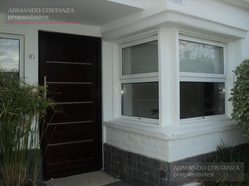 Foto Casa en Alquiler en  Puerto Madryn,  Biedma  ALEM 87