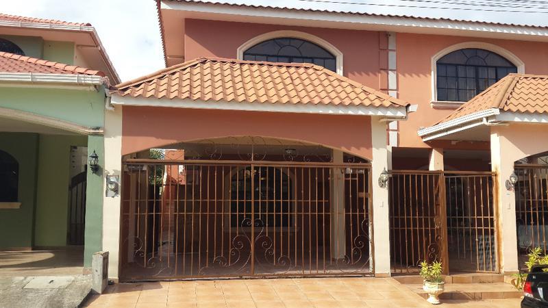 Foto Casa en Renta en  Res. Foresta,  San Pedro Sula  Town House en Renta en Residencia la Foresta