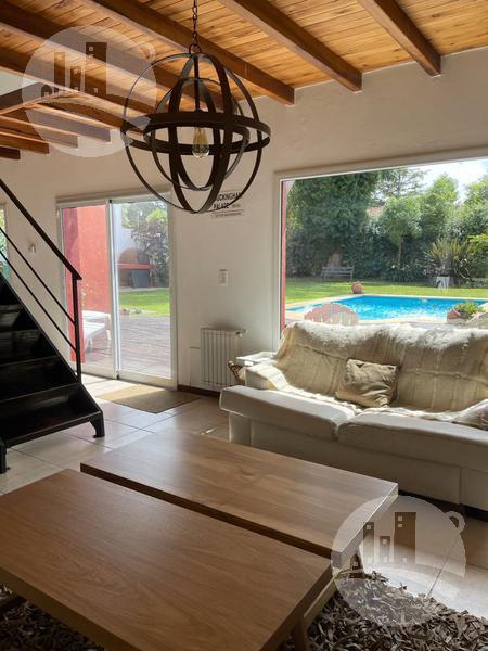 Foto Casa en Venta en  Los Acantilados,  Mar Del Plata  Casa 4 hab. / 4 baños / 200 Mts2 cubiertos