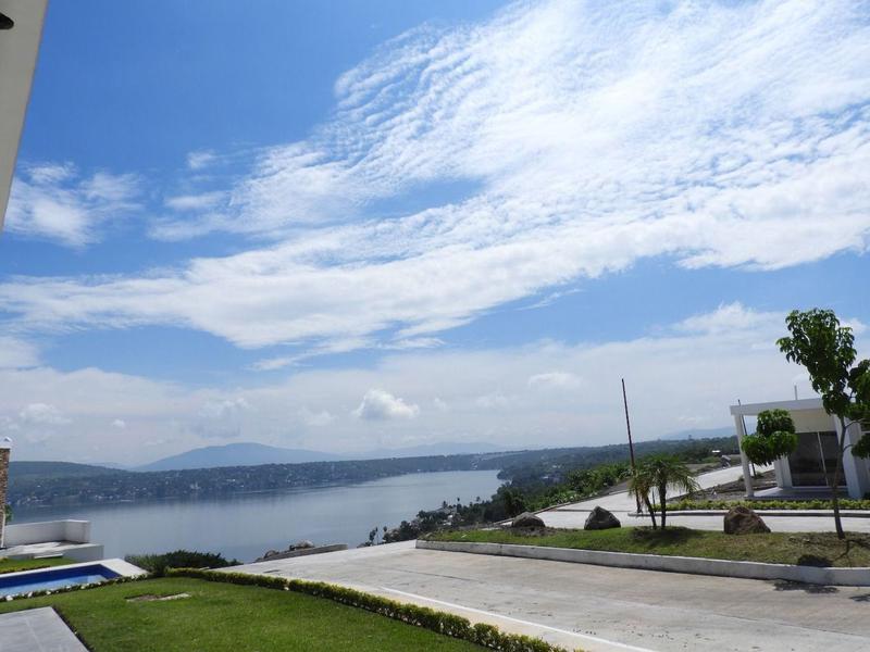 Foto Terreno en Venta en  Pueblo Tequesquitengo,  Jojutla  Venta de Terreno, Fracc. Colinas del Lago Tequesquitengo... Cv-2289