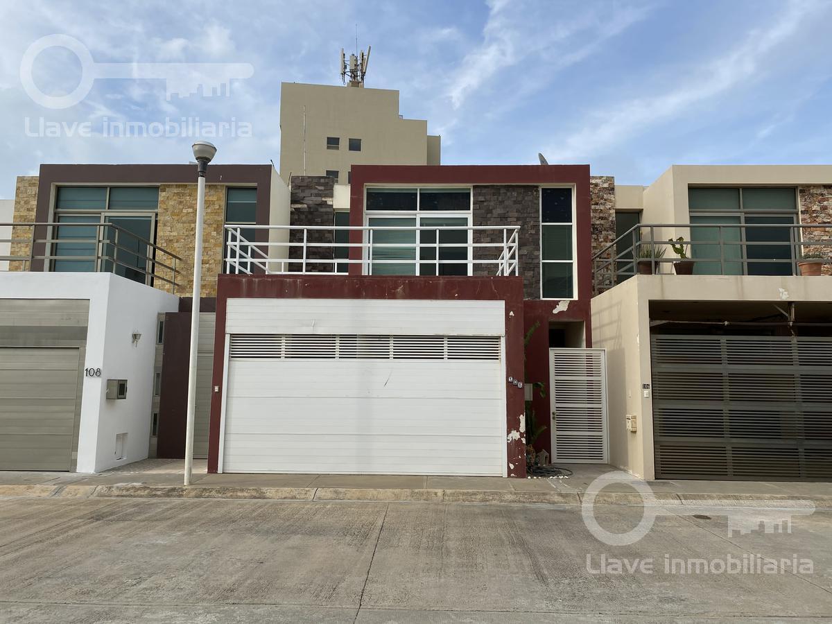 Foto Casa en Venta en  Coatzacoalcos ,  Veracruz  Casa en Venta,  Palma Samia, Col. Real de Palmas II