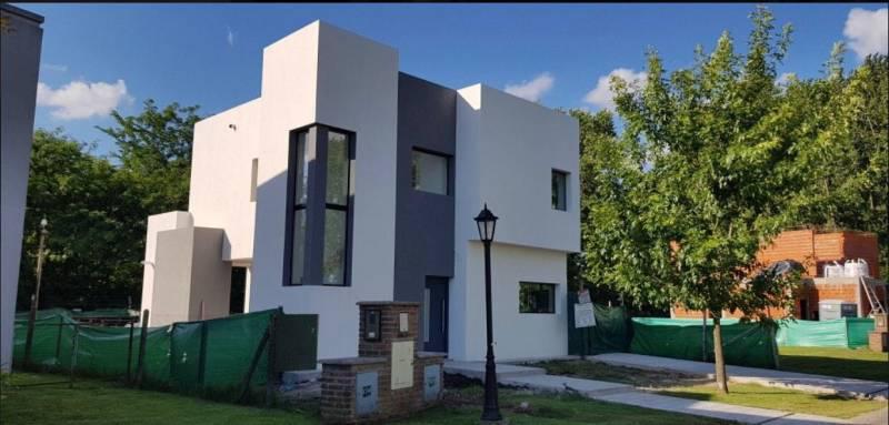Foto Casa en Venta en  La cañada de Pilar,  Countries/B.Cerrado (Pilar)  Venta - Casas en Los Robles - Bayugar Negocios Inmobiliarios