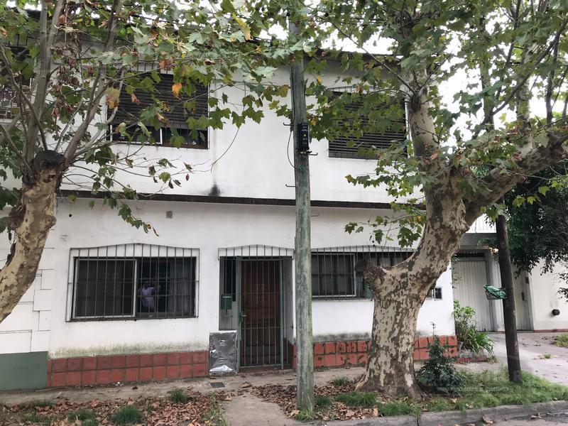 Foto Casa en Venta en  Adrogue,  Almirante Brown  FRIAS 196 (ESQUINA QUINTANA)
