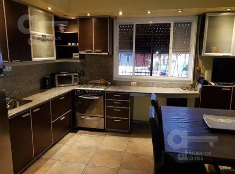 Foto PH en Venta en  Villa Devoto ,  Capital Federal                  Melincué al 4400