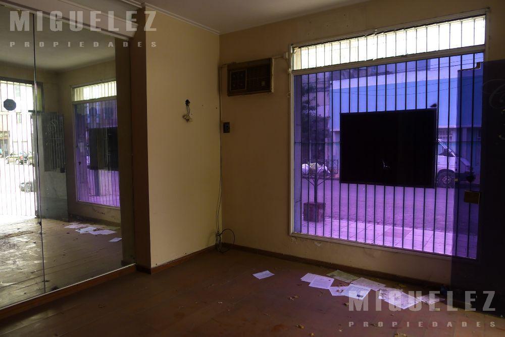 Foto Local en Alquiler | Venta en  Banfield,  Lomas De Zamora  Talcahuano 100