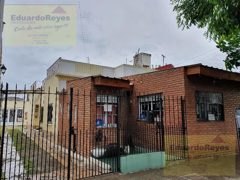 Foto Casa en Venta en  Remedios De Escalada,  Lanus  VELLOSO 3334