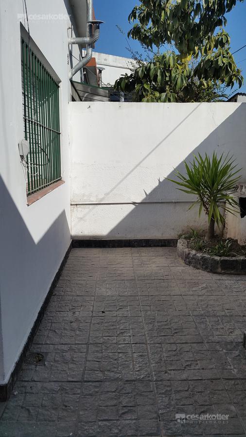 """Foto Departamento en Alquiler en  Lomas de Zamora Este,  Lomas De Zamora  Alsina 1237 Dpto. """"1"""""""