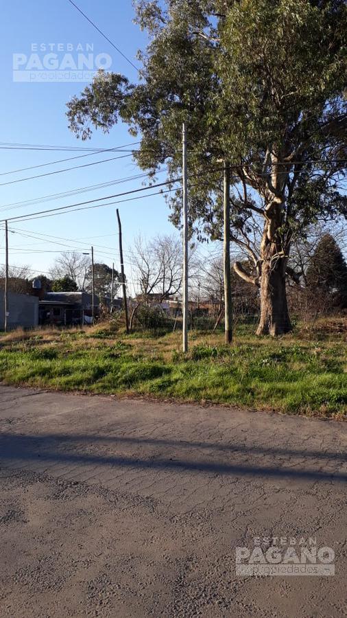 Foto Terreno en Venta en  Los Hornos,  La Plata  161 e 63 y 64