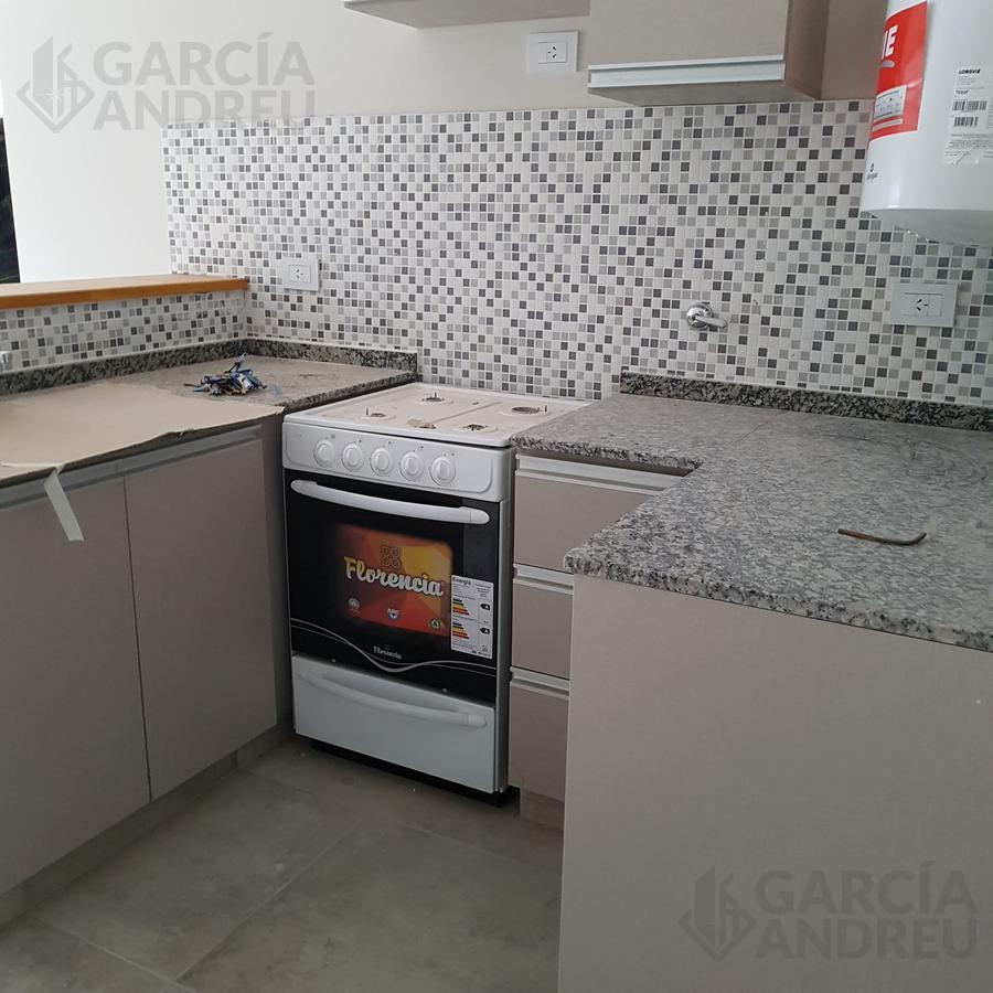 Foto Departamento en Venta en  Pichincha,  Rosario  Ricchieri 400