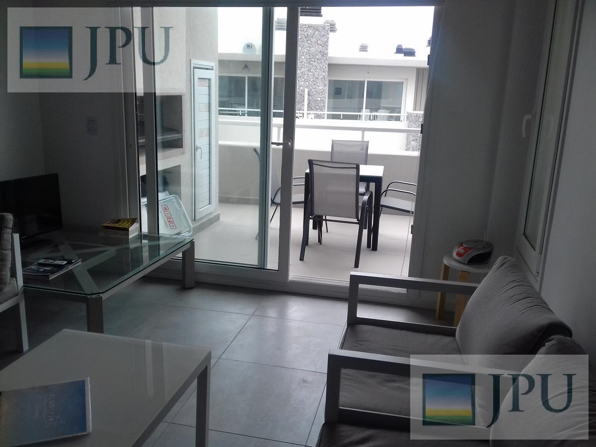 Foto Departamento en Alquiler temporario en  Costa Esmeralda,  Punta Medanos  AlGolf19 - Edificio Albatros, 4° G