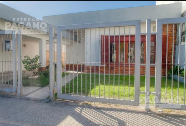 Foto Casa en Venta en  Manuel B Gonnet,  La Plata  7 e 510 Y 511