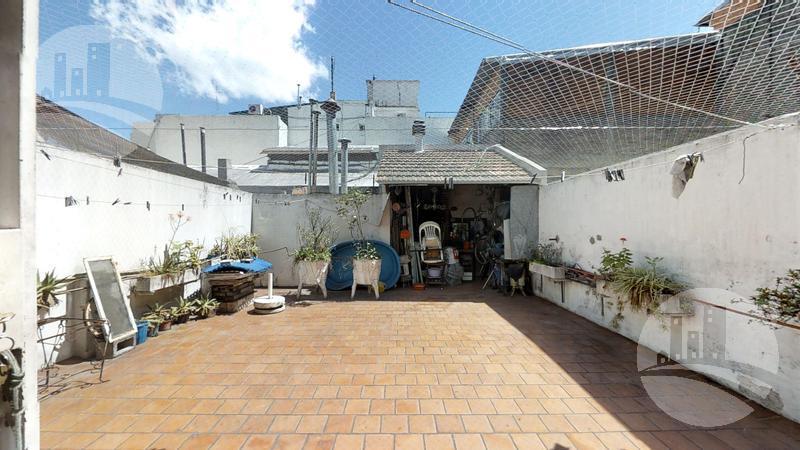 Foto Casa en Venta en  Barracas ,  Capital Federal  Av Montes de Oca al 1200