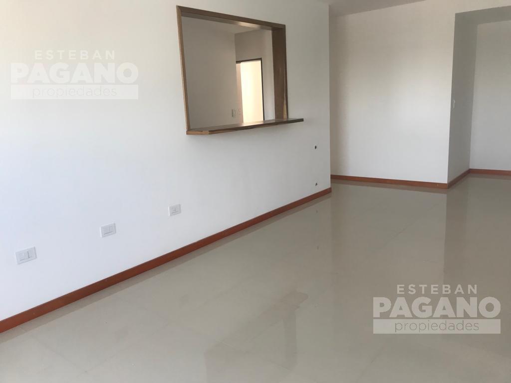 Foto Departamento en Venta en  La Plata,  La Plata  49 e 17 y 18