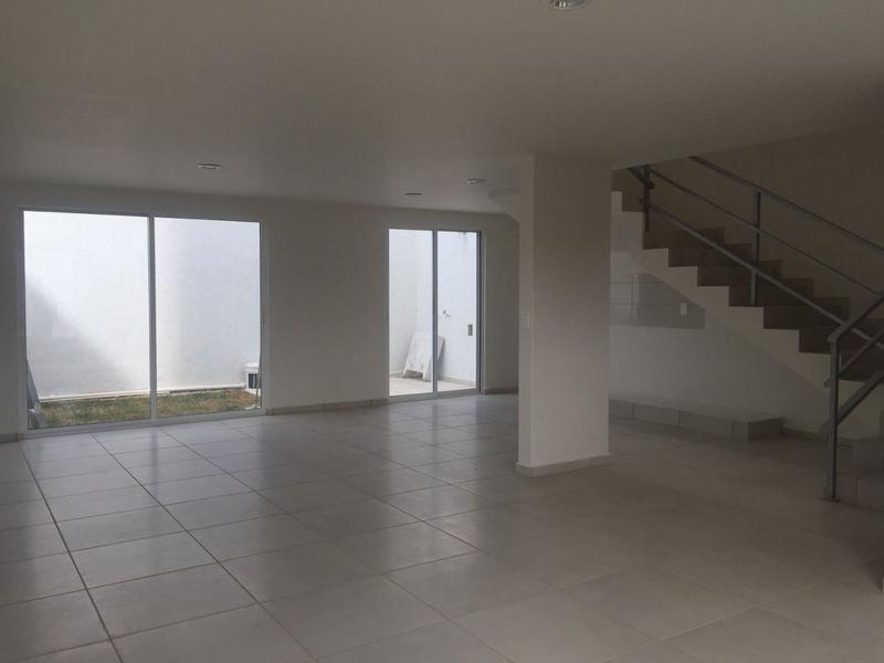 Foto Casa en Venta en  Pachuca ,  Hidalgo  CASA NUEVA TRES NIVELES, VALLE DEL SOL II, PACHUCA HGO