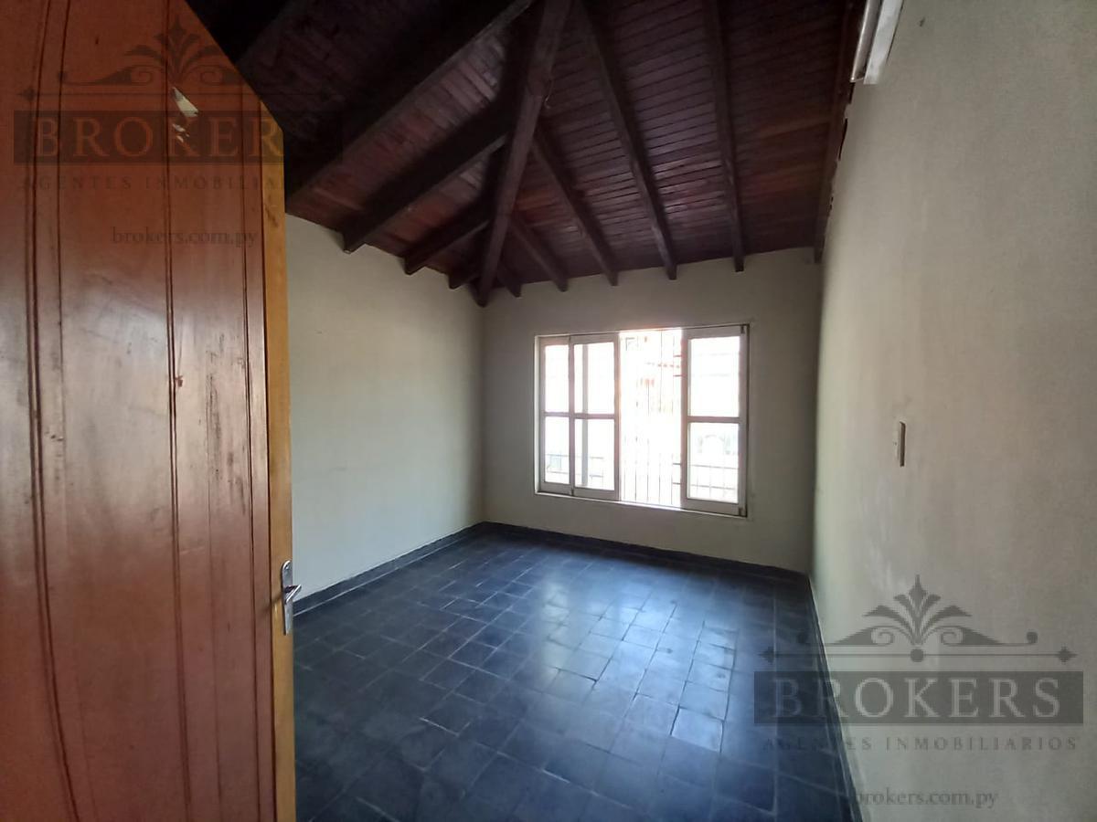 Foto Casa en Venta en  4to. Barrio,  Luque  VENDO CASA PLANTA BAJA 4TO BARRIO LUQUE
