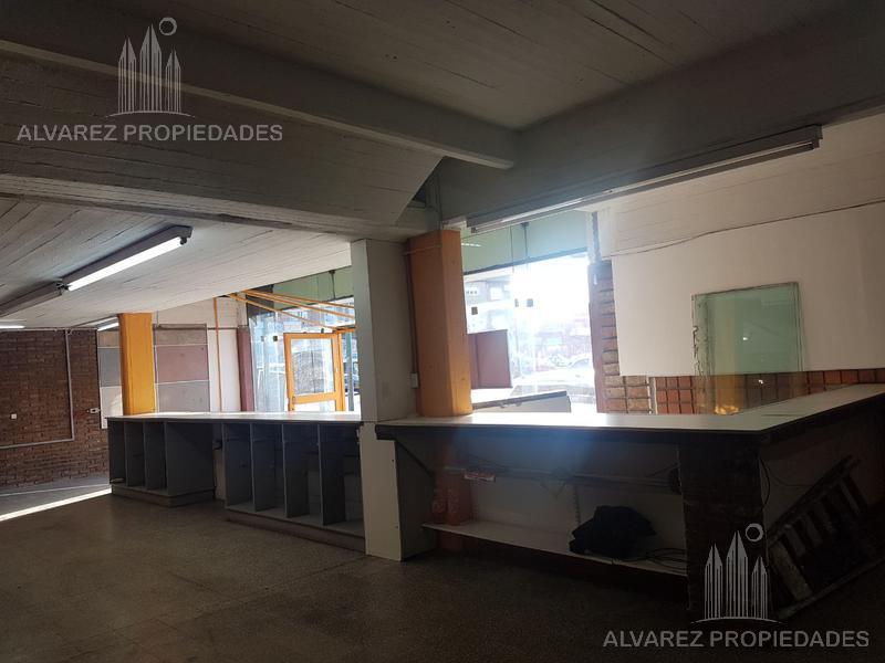 Foto Local en Alquiler en  General San Martin ,  G.B.A. Zona Norte  Av presidente peron al 4200