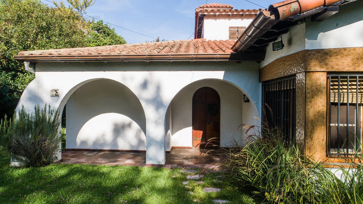 Casa  - San Isidro- Vías a Libertador