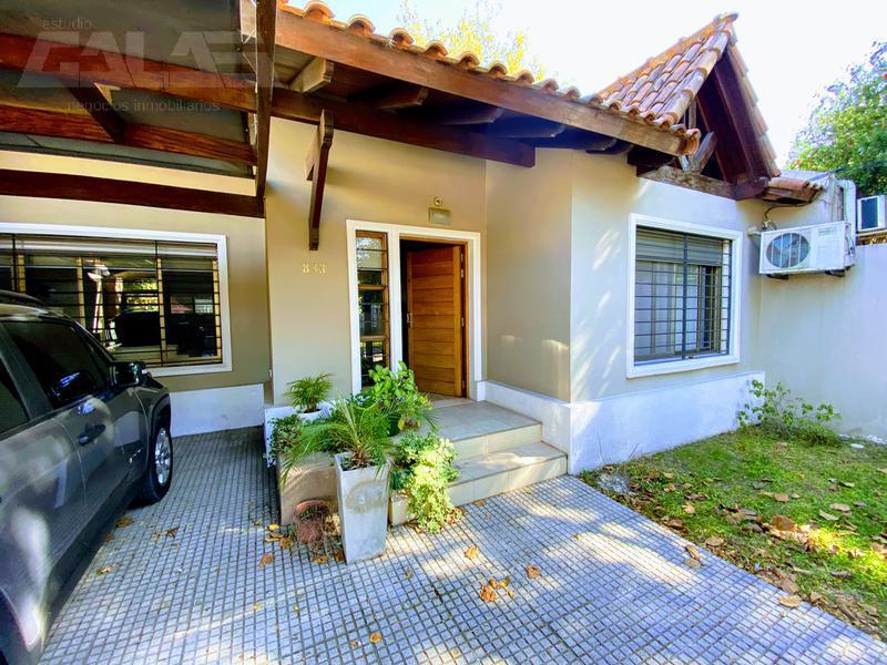 Foto Casa en Venta en  Castelar Sur,  Castelar  Dardo Rocha al 800