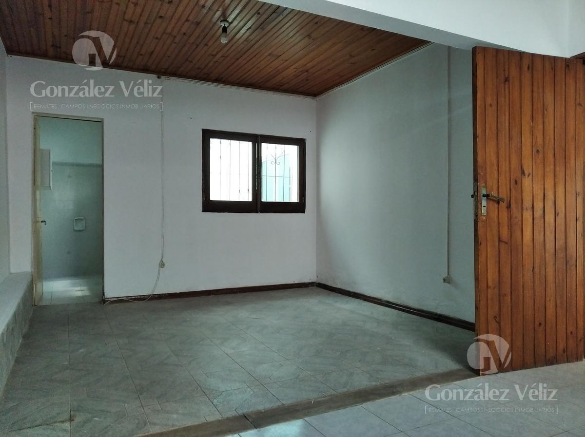 Foto Casa en Alquiler en  Carmelo ,  Colonia  Cagancha entre Sarandi y Mortalena