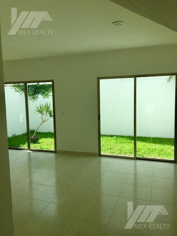 Foto Casa en Venta | Renta en  Cancún,  Benito Juárez  RENTA O VENTA CASA EN RESIDENCIAL  ARTES, SOBRE AV. LAS TORRES, CLAVE ROSS12020