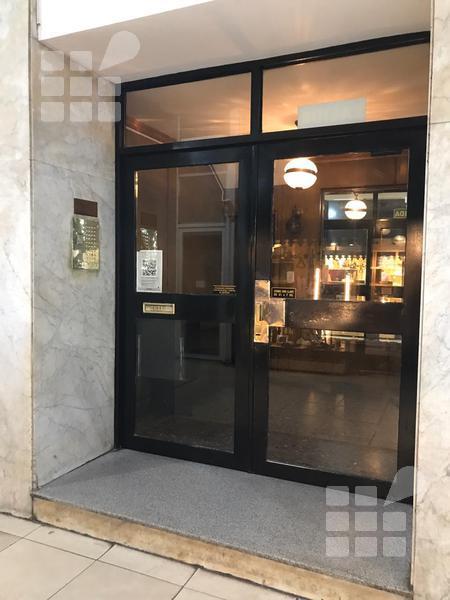 Foto Departamento en Alquiler en  La Plata ,  G.B.A. Zona Sur  8 y 48