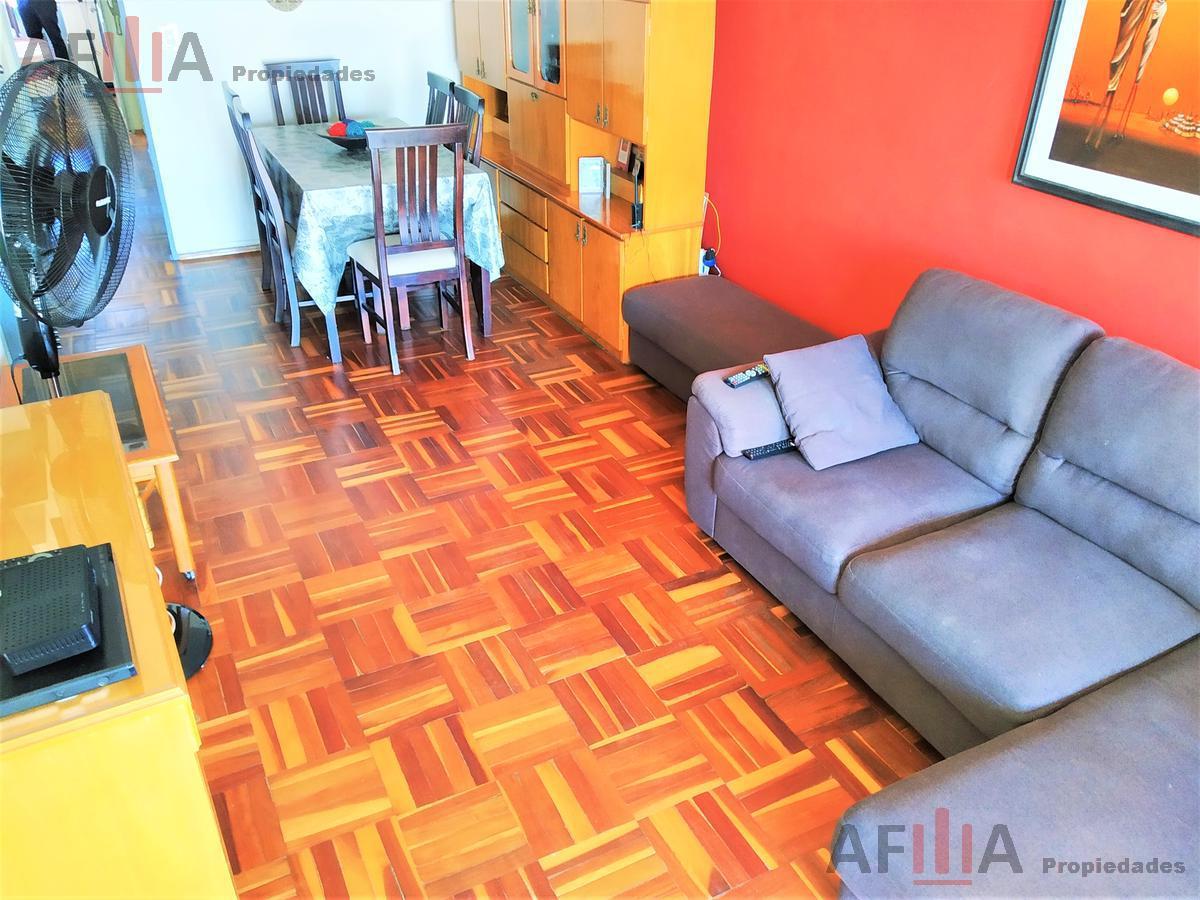 Foto Apartamento en Venta en  Centro (Montevideo),  Montevideo  Roxlo 1400