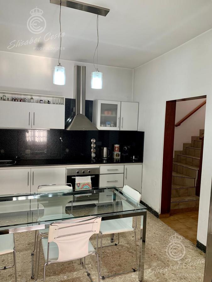 Foto Casa en Venta en  Remedios De Escalada,  Lanus  Lujan al 3200