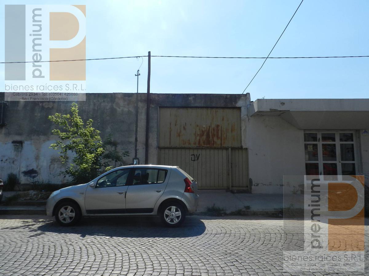 Foto Local en Alquiler en  Roca,  San Francisco  Moreno al 100
