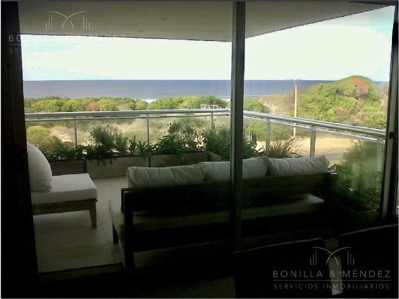 Foto Apartamento en Venta en  Rincón del Indio,  Punta del Este  Rambla Lorenzo Batlle Pacheco y Parada 28