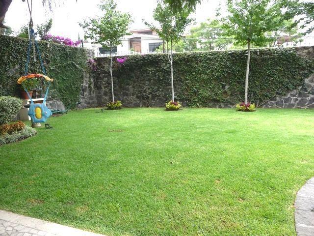 Foto Terreno en Venta en  Tlayacapan ,  Morelos  Edo de Morelos,Tlayacapan 26.000m2 PARA HOTEL O EVENTOS, con Servicios