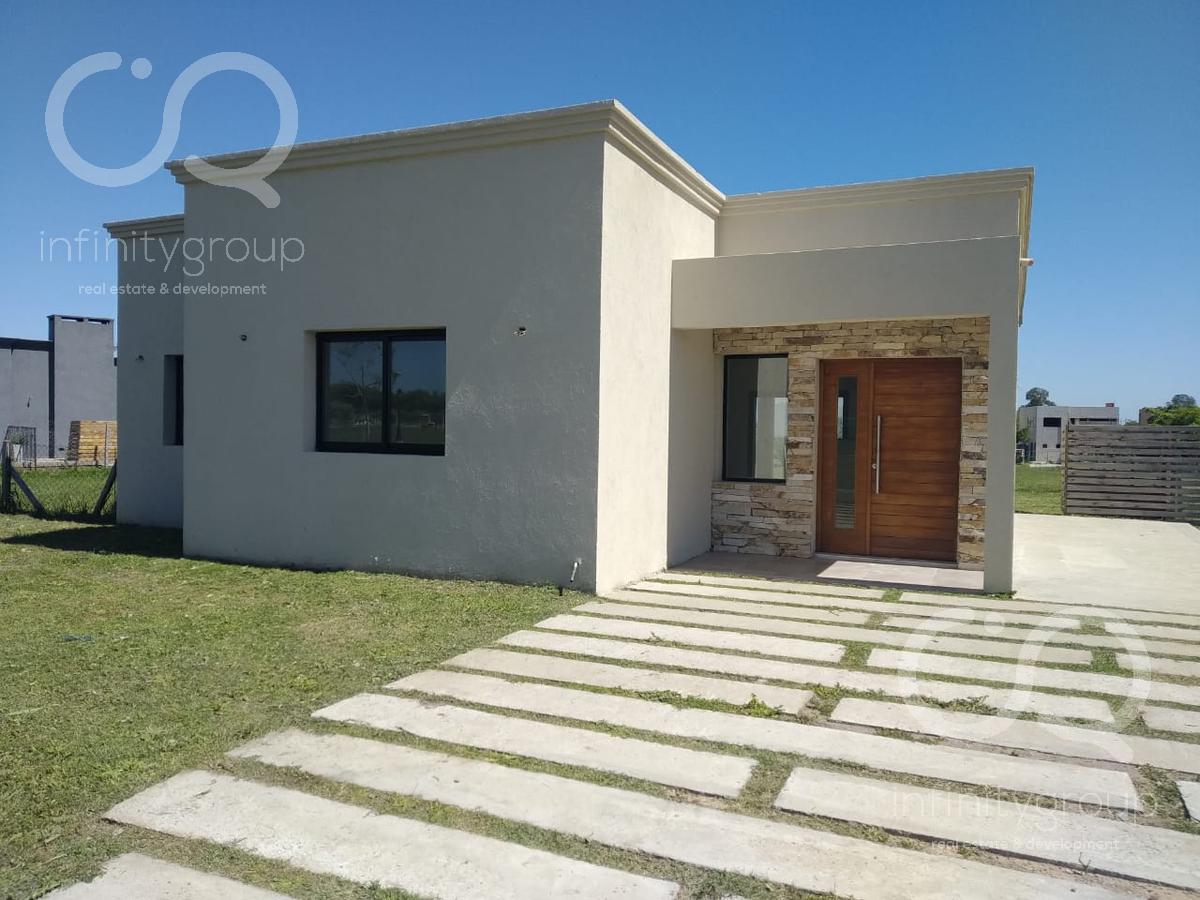 Foto Casa en Venta en  Santa Elena ,  Pilar Del Este  Casa Santa Elena lote al 100