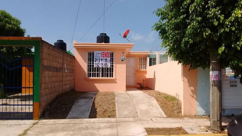 Foto Casa en Venta en  Fraccionamiento Jardines de California,  Coatzacoalcos  La Venta No. 327-A, Fraccionamiento Jardines de California, Coatzacoalcos, Veracruz.